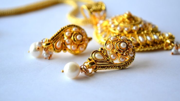 Buy-Gold-For-Dhanteras